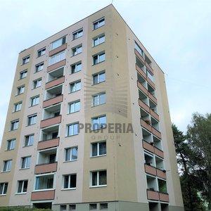 Prodej bytu v OV 2+1 + lodžie, ul. Černého, Brno - Bystrc, 2. p/8, CP 62 m2, dům po revitalizaci, dobré parkování, klidné bydlení, výhled do zeleně