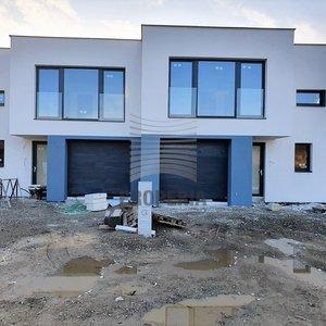 Prodej stylové zděné novostavby RD 5+kk s garáží, obec Pravlov, Brno-venkov, CP 1.575 m2