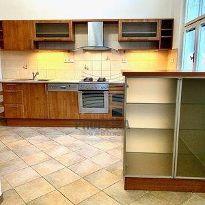 Pronájem bytu 3+1, CP 115m², s prosklenou verandou, Wurmova, Brno - Stránice