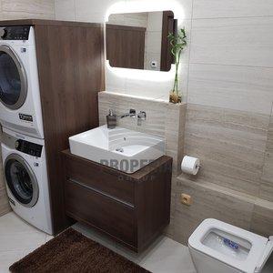 Pronájem zrekonstruovaného bytu v OV 1+1 + lodžie, ul. Pod Strání, Mikulov, CP 42 m2, 1. NP/5, po kompletní luxusní rekonstrukci, včetně nových spotřebičů a zařízení