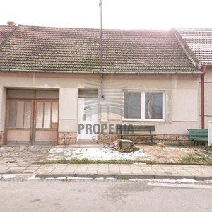Prodej rodinného domu 332 m², pozemek 832 m², Vážany nad Litavou, okr. Vyškov
