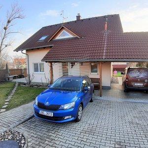 Prodej samostatně stojící dřevostavby RD 5+kk s krytým bazénem, ul. U Vodojemu, Hustopeče u Brna, okr. Břeclav, CP 718 m2, pergola, parking, závlahy.