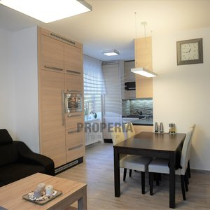 Prodej zděného bytu v OV 3+kk, ul. Bakalovo nábřeží, Brno - střed, CP 77 m2, byt po rekonstrukci, dům po revitalizaci