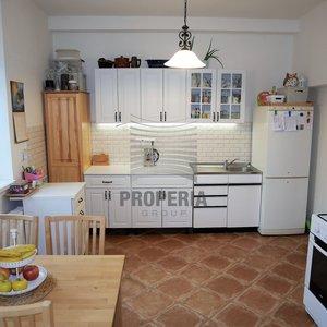 Prodej zrekonstruovaného RD 2+1, ul. Mezicestí, Brno - Líšeň, CP pozemku 284 m2, možnost půdní vestavby
