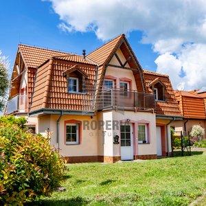 Prodej rodinného domu  4+ kk, 150 m2, s garáží a prostornou zahradou 655 m² - Jedovnice