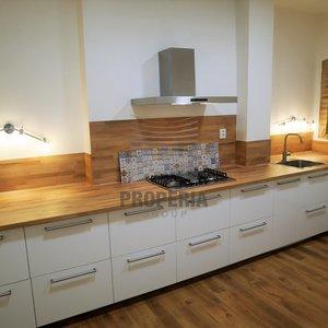 Pronájem zrekonstruovaného zděného bytu 3+1, ul. Kabátníkova, Brno - Královo Pole, CP 105 m2, částečně zařízený.