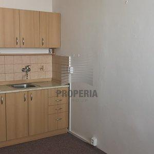 Pronájem bytu 1+kk Brno-Lesná, Halasovo náměstí