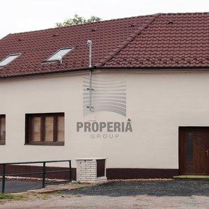 Prodej zrekonstruovaného RD 3+1 se zahrádkou a dvorkem v obci Němčičky (okr. Znojmo), CP 824 m2, sklep