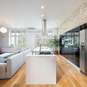 Prodej kompletně zrekonstruovaného bytu 2+kk s balkonem a sklepem, CP 82 m² + sklep 7m2 - Brno - Královo Pole, Palackého třída