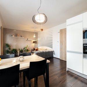 Prodej novostavby bytu 3+kk o CP 98,8m2 s terasou a garážovým stáním, sklepem, ul. Markůvky, Brno - Bystrc