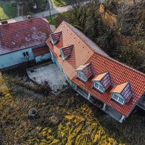 Prodej rodinného domu 489 m², na pozemku 4 181m² - Vyškov - Lhota