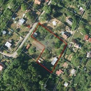 Prodej zahrady 1874 m² se zděnou chatou, Želešice