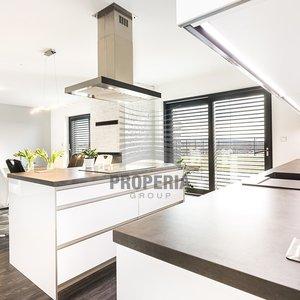 Prodej, Rodinné domy, 1070 m² - Rajhradice