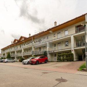 DB 3+1 s parkovacím stáním v Kuřimi, ul. Hojerova, balkón