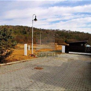 Prodej stavebního pozemku v Brno- Soběšice, id. 1/9 odpovídající ploše 1160m²
