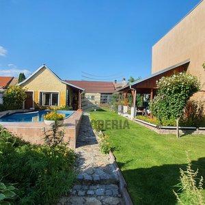 Prodej RD 3+1 s vjezdem a zahradou, 1160 m², Novosedly, okr. Břeclav