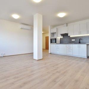 Pronájem bytu č. III - 2+KK, 72 m2 Rosice - Palackého nám.