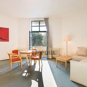 Vybavený apartmán 2+kk s balkonem k pronájmu v Rezidenci Komárovské nábřeží