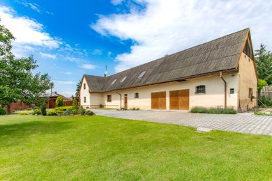 Prodej  Rodinného domu, 338 m² s dvěma byty a garáží a zahradou na pozemku 1066  m², Horní Bříza, Ev.č.: 00041