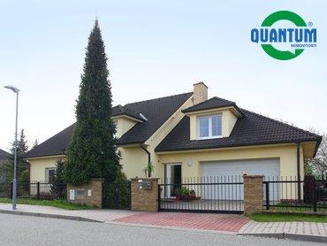 Prodej rodinného domu 6+kk, 249 m² se zahradou - Vyškov
