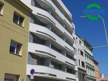 Pronájem novostavby bytu 1+kk s garážovým stáním - Brno-město