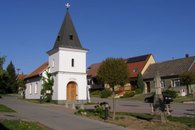 Obec Velatice_náves
