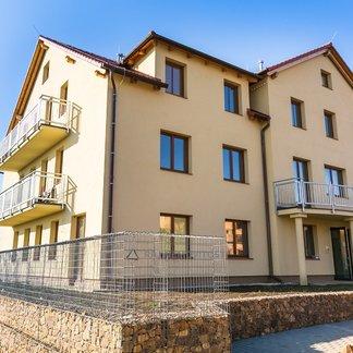 2+kk 59m2 s jižní terasou 39m2 - Únětice, Praha Západ