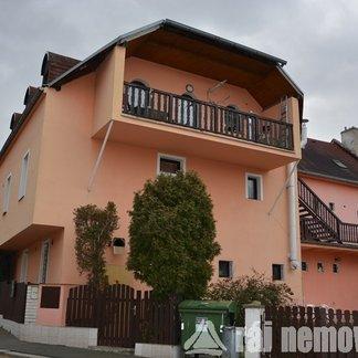 Prodej, Rodinné domy, 457m² - Praha - Střížkov
