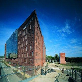 Pronájem kanceláře 1038 m², terasa 95 m²  Praha 8 - Karlín, Danube House