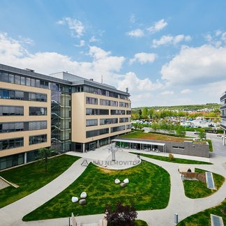Pronájem kanceláře 700 m², Praha 5, Avenir