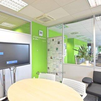Pronájem kanceláře 1500 m², Praha 4, Hráského