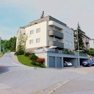 byt č. 3.01 - 1+kk 41,58 m2, terasa 25,43 m2, Vila Rokoska, Praha 8