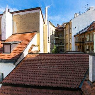 Prodej 1/2 historického domu - Praha 1 Staré Město