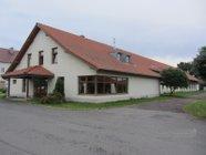 Pronájem obchodních prostor - výrobní hala - kanceláře v obci Ráby, přízemí 954 m2, 1. patro 275 m2