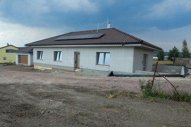 Prodej novostavby rodinného domu s dvojgaráží a zahradou, Čebín, Ev.č.: 00093