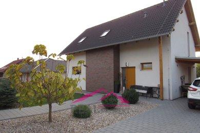 Prodej novostavby RD 4+kk s krásnou zahradou, Skalička, Ev.č.: 00110