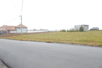 Prodej stavebního pozemku Deblín, 702 m2, Ev.č.: 00140