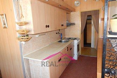 Prodej pěkného bytu 2+1 v OV s lodžií v blízkosti školy a školky, Tišnov, Ev.č.: 00141