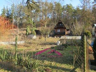 Prodej krásné chaty na okraji Tišnova se slunnou zahradou