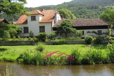 Prodej nádherného domu 5+kk se zahradou, garáží, dílnou Borač - Podolí, Ev.č.: 00165