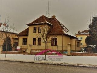Jedinečná nabídka vily, pro podnikání i k bydlení, 750 m²
