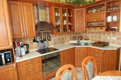 Prodej pěkného bytu 3+1 v Lomnici u Tišnova s vlastní zahradou a garáží, Ev.č.: 00033