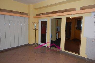 Pronájem obchodu s velkou výlohou, Tišnov, 55 m2, Ev.č.: 00049