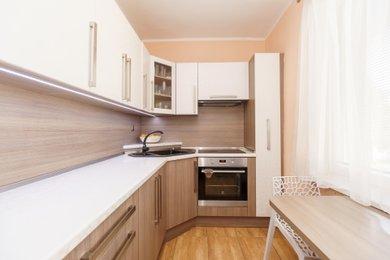 Pronájem bytu 2+1 s balkonem včetně vybavení, Karviná, Kosmonautů, Ev.č.: 00294