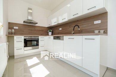 Zrekonstruovaný byt 3+1, 63m², Karviná, V Aleji - ihned k bydlení!, Ev.č.: 00343