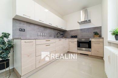 Prodej designového bytu 2+1 s lodžií po kompletní rekonstrukci se zárukou, Ev.č.: 00345