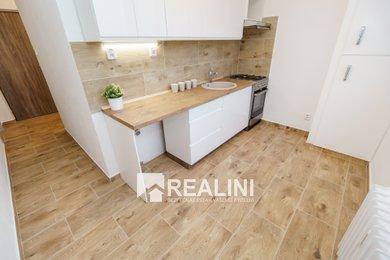 Podnájem bytu 2+1, 54m² po zdařilé rekonstrukci v centru města Karviné, Ev.č.: 00351