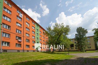 Prodej bytu 2+1 k rekonstrukci, Karviná, Kosmonautů, Ev.č.: 00368