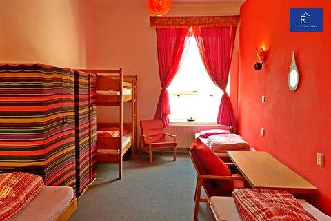 01 červený pokoj