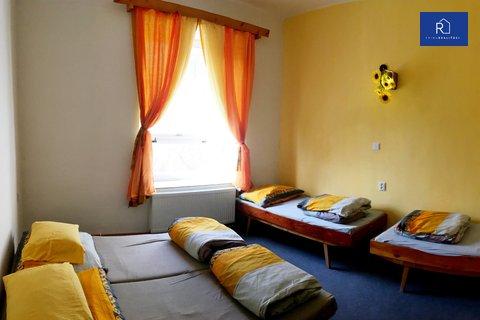 002 žlutý pokoj
